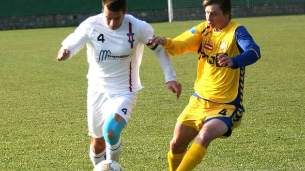 V zápase MSFL Líšeň – Jihlava B domácí hráči za stavu 3:0 udělali hromadný kotrmelec.