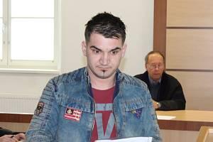 Činu prý lituje. Třicetiletý Rumun Bogdan Livin Lungu (na snímku) u soudu projevil lítost nad tím, čeho se dopustil. I to mu zmírnilo trest.
