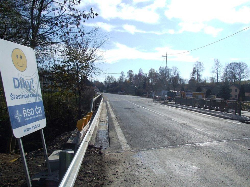 Most na hlavní silnici mezi Jihlavou, Znojmem a Vídní v Prostředkovicích je opraven.