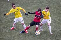 Tomáš Smejkal (vlevo) byl na podzim se čtyřmi brankami a deseti asistencemi lídrem FC Vysočina Jihlava. V novém roce už bude oblékat dres FK Jablonec.