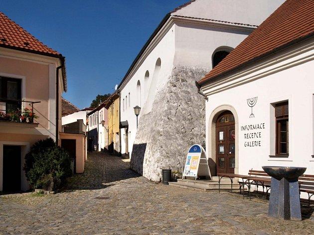 Třebíčská židovská čtvrť přitahuje turisty díky zařazení do seznamu památek UNESCO.