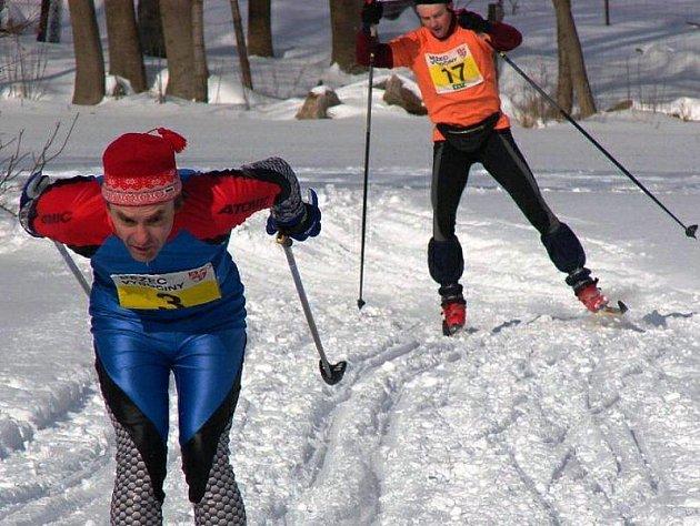Po dvou týdnech se nadšenci běžeckých lyží dočkali. Lyžařský pohár Běžec Vysočiny 2010 startuje tento víkend dvěma závody. Ve Zborné a Řásné.