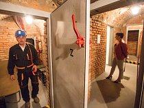 Expozice bývalého krytu civilní obrany v jihlavském podzemí.