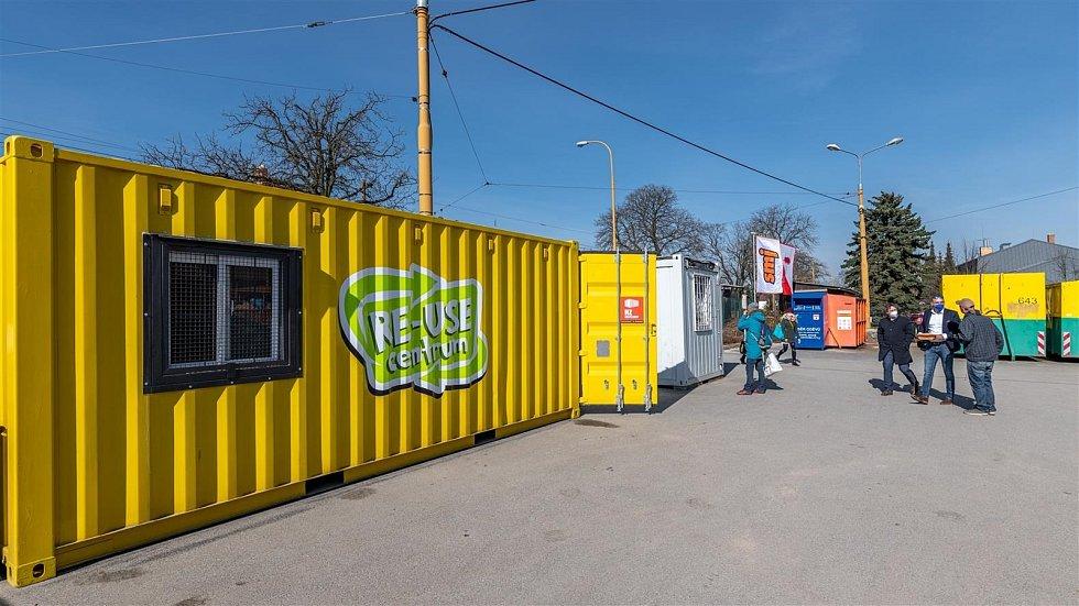 Na počátku dubna otevřeli re-use centrum i v Jihlavě.