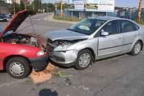 Nehoda vozidel ve Znojemské ulici v Jihlavě.