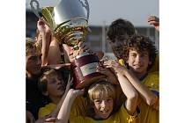 Starší žáci z Jihlavy zaskočili favority a zaslouženě zvítězili v prestižním turnaji Premier Cup.