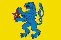 Vzpřímený lev. Na vlajce Staré Říše je zobrazen vzpřímený modrý lev, který drží rudý pentagram – pěticípou hvězdu nakreslenou pěti přímými tahy. Stejný symbol má městys i ve svém znaku.