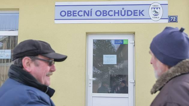 S poměrně odvážným nápadem, jak udržet obchod v menší obci, přišel starosta Vísky na Havlíčkobrodsku. Obchod provozuje a vlastní od loňského září sama obec.