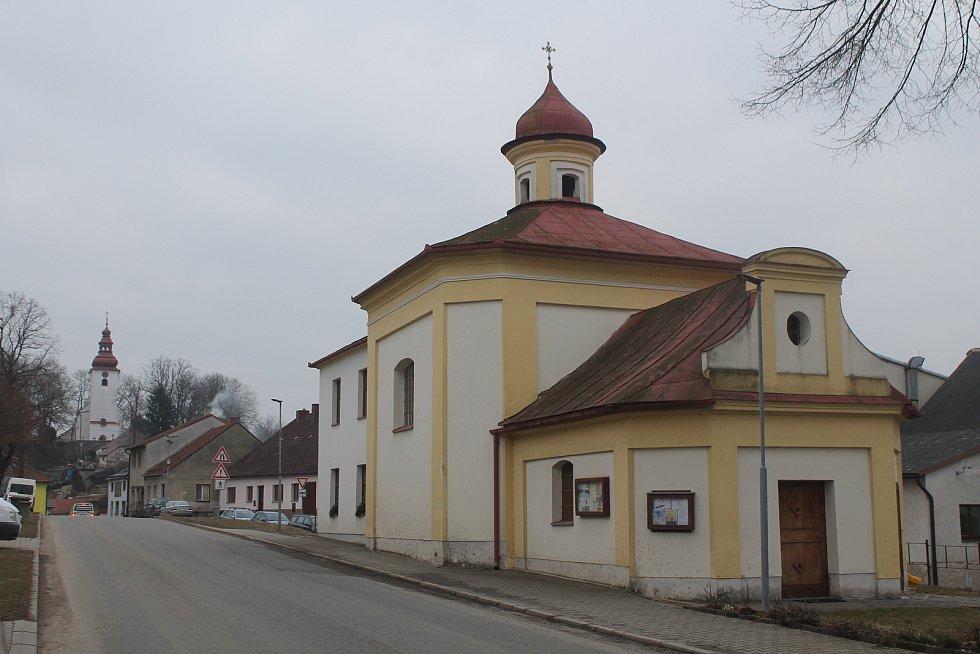Centrum městyse Kamenice na Jihlavsku.