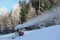 Situace na vrchu Čeřínek v neděli 28. prosince dopoledne