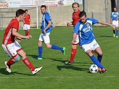Pro fotbalisty Velkého Beranova (v modrobílých dresech) je finále Ježek Cupu vrcholem sezony. Tým z Jihlavska dnešnímu mači podřídil vše.