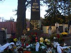 Hrob rodiny Švecovy na třešťském hřbitově.