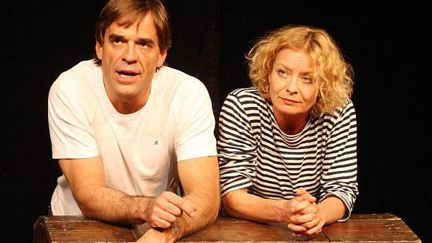 Vilma Cibulková se spolu s Miroslavem Etzlerem představí divákům ve hře Jak uvařit žábu.
