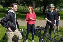 V hlavních rolích v novém filmu se představí například Jan Komínek (zleva), Hana Vagnerová a Adam Mišík.