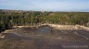 Vypuštěný Velký Pařezitý rybník na konci března pohledem z dronu.