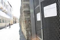 Vyhlídková bašta v parku Gustava Mahlera je zavřená. Vyřádili se tam vandalové. Návštěvníkům bude znovu zpřístupněná po opravě nejdříve koncem prázdnin.