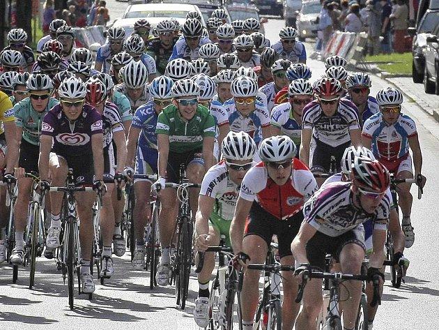 Ve čtvrtek odstartuje v Bystřici nad Pernštejnem prestižní etapový závod.