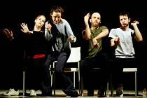 Soubor Nanohach už v Jihlavě předvedl choreografii Miluj mě od britského autora Nigela Charnocka.