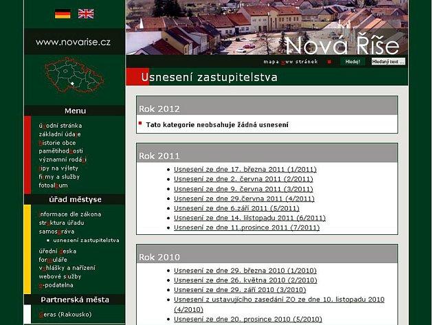 Na webu Nové Říše usnesení z roku 2012 chybí.
