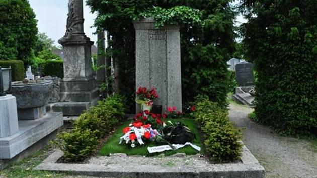 Hrob Gustava Mahlera je ve Vídni, v Jihlavě však má slavný skladatel pomník.