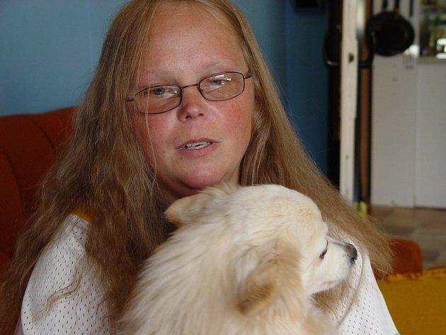 Eva Štefková se v nejhorších dobách svého dětství upínala ke svému pejskovi. Byl jejím nejlepším přítel, kterému se mohla bez obav svěřit.