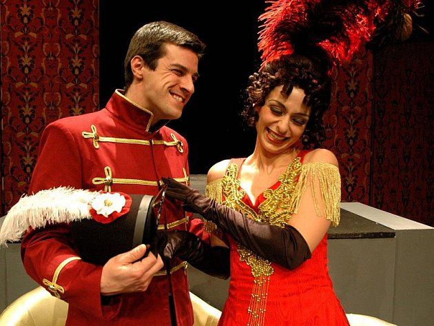Do příští divadelní sezony Horáckého divadla se jistě bude přetahovat také opereta Mam'zelle Nitouche, která má nyní premiéru.