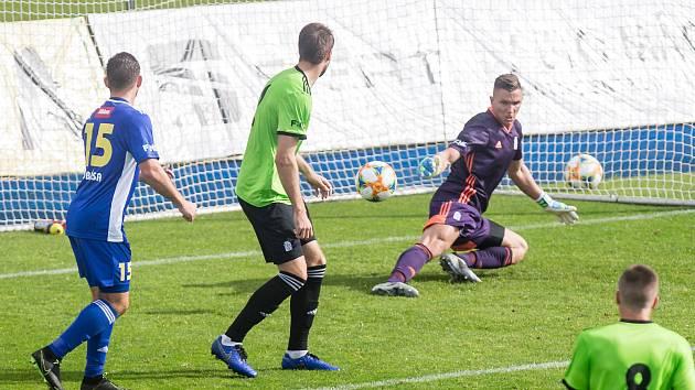 Momentka z loňského vzájemného utkání mezi FC Vysočina Jihlava a FC Slavoj Vyšehrad.