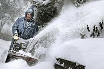 Ve Žďárských vrších a pod Železnými horami napadlo v některých místech až půl metru nového sněhu. Snímek je z Nových Dvorů na Žďársku.