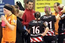 Trenér jihlavských florbalistek Roman Komenda (vlevo) po sérii porážek rezignoval. Dočasně jej u týmu nahradí Libor Kucza (vpravo), nový kouč se hledá.