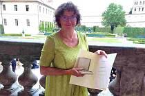 Stříbrnou medaili dostala pracovnice vysočinského střediska Chaloupky Marie Rajnošková.