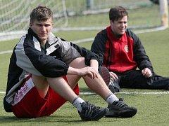 Hokejový útočník Anatolij Protasenja odešel před čtyřmi lety z Jihlavy ve zlém. Teď chce hodit minulost za hlavu, pokouší se uchytit v prvoligovém A–týmu Dukly.