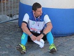 Běžel i bývalý hokejista Oldřich Bakus. V cíli přiznal, že to bylo náročné.