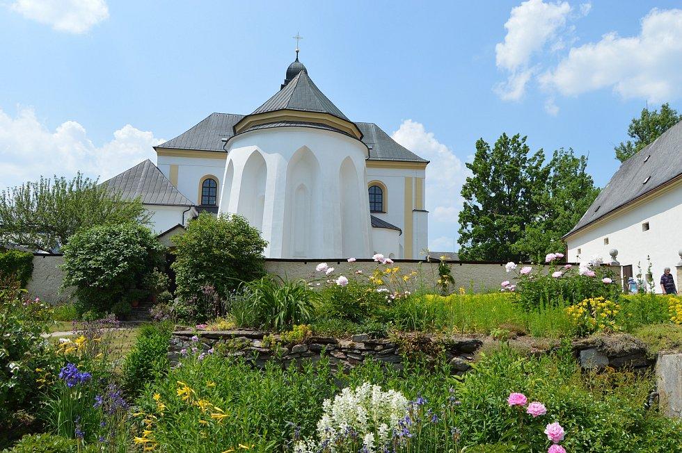Dny otevřených zahrad ve žďárském zámku.