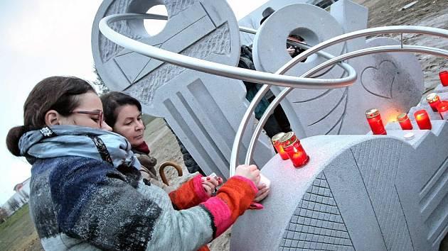 Setkání u klíčů. Velké setkání u sochy klíčů se v Jihlavě  uskuteční už ve čtvrtek od půl třetí odpoledne. Na příchozí čeká kromě jiného také naučná trasa nebo satirické vystoupení.