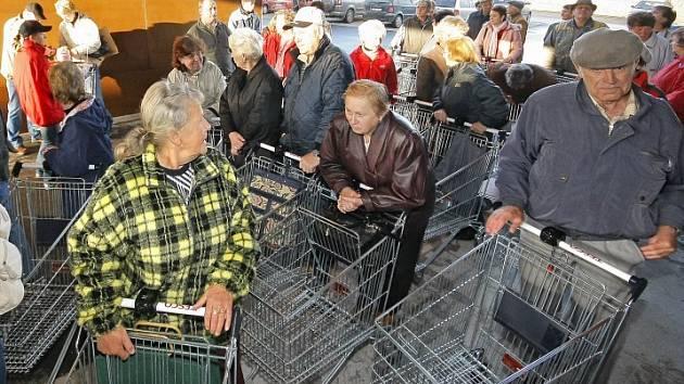 V Telči ve čtvrtek ráno otevřel nový supermarket