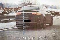 Řidiče zachytili policisté na 105. kilometru dálnice D1 ve směru na Brno.