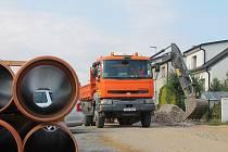 Práce na kanalizaci jsou v předstihu, již dnes je téměř hotovo vše, co se mělo stihnout letos.