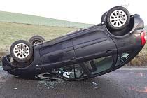 Ranní nehoda u Větrného Jeníkova se obešla bez zranění.