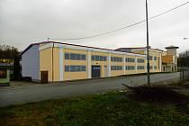 Porovnání současného a budoucího stavu v areálu školy v Polenské ulici.
