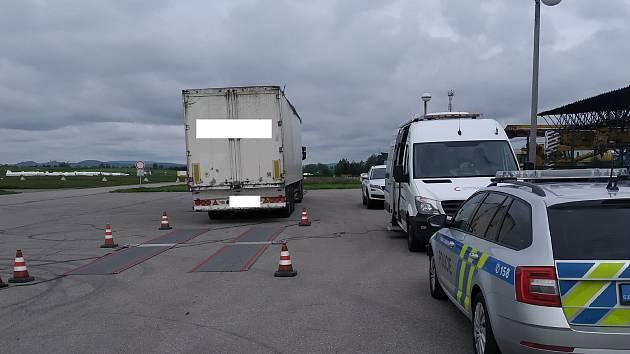 Policisté se zaměřili na kontroly nákladních vozidel.