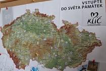 I podle papírové mapy mohou zájemci vybírat, na kterou památku půjdou.
