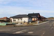 Ve Zhoři pokračuje výstavba rodinných domů.