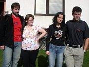 Jaroslava Trojanová se svou biologickou dcerou Verunkou (vlevo) a Jaroslava Čermáková s Nikolkou (vpravo)