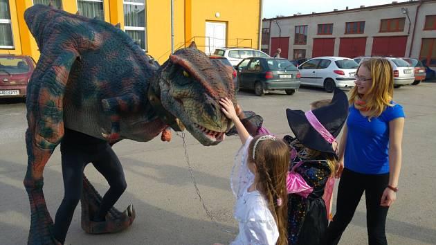 Dinosaurus Valík.