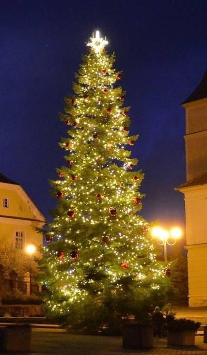 Vánoční strom v Mohelnu.