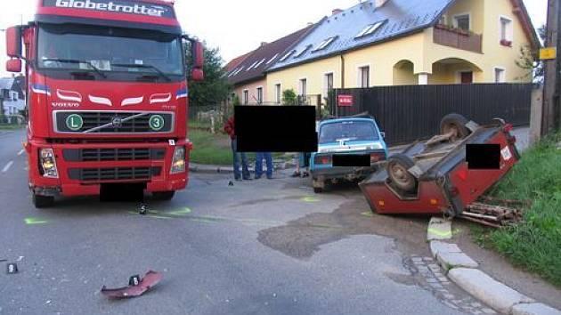 Řidič vozu Škoda s 1,73 promile alkoholu způsobil dopravní nehodu ve Znojemské ulici v Jihlavě.