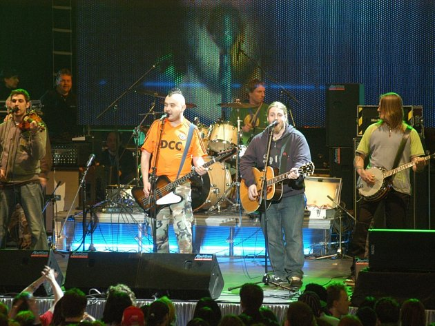 Wohnouti vyrazili na turné v rámci vydaného DVD Ahoj dědo. V Jihlavě zahrají v Dělnickém domě od 21 hodin.