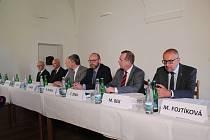 S novináři se sešla témě kompletní Česká konference rektorů.
