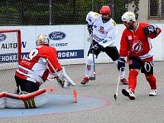 Střelec. Roman Smutný (vlevo) se v Mostě postaral o dva góly, další tři přidal Štěpán Brázda, a SK tam vyhrál 5:1.