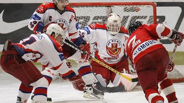 Hokejisté Havlíčkova Brodu vyválčili v divokém zápase s Olomoucí vítězství až na nájezdy.